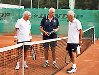 Netherlands, Amstelveen, August 21, 2015, Tennis,  National Veteran Championships, NVK, TV de Kegel,  Gerard van Schaik, umpire  and Wim Heeremans, ltr<br /> Photo: Tennisimages/Henk Koster