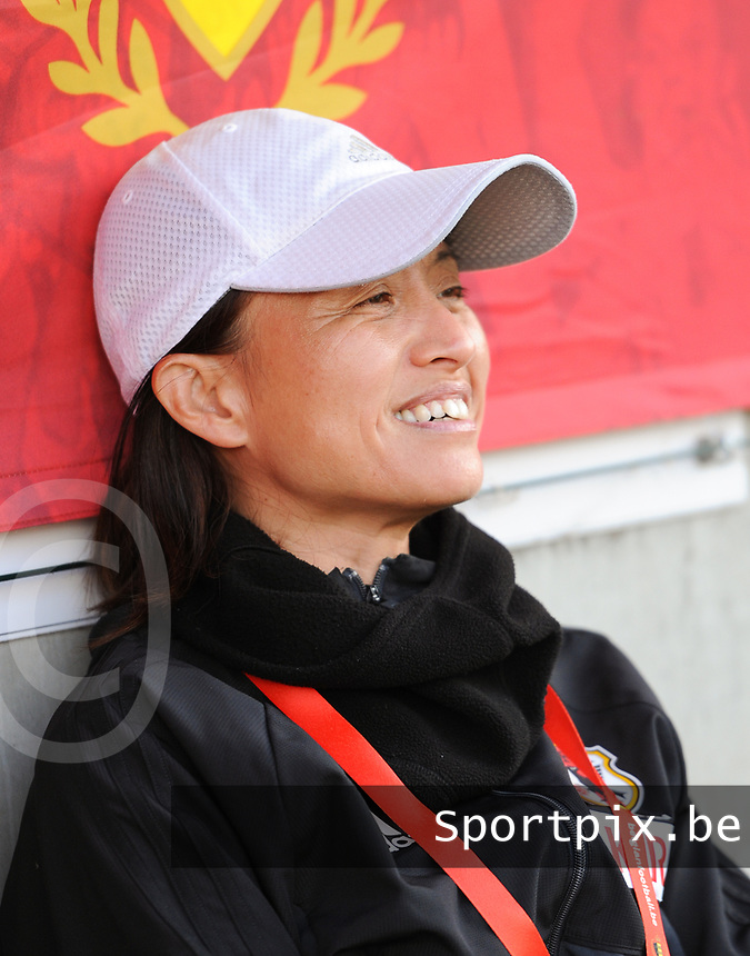 20170613 - LEUVEN ,  BELGIUM : Japanese coach Asako Takakura  pictured during the female soccer game between the Belgian Red Flames and Japan , a friendly game before the European Championship in The Netherlands 2017  , Tuesday 13 th Juin 2017 at Stadion Den Dreef  in Leuven , Belgium. PHOTO SPORTPIX.BE | DIRK VUYLSTEKE