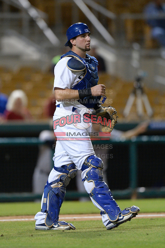 Glendale Desert Dogs catcher Pratt Maynard (25), of the Los Angeles Dodgers organization, during an Arizona Fall League game against the Salt River Rafters on October 16, 2013 at Camelback Ranch in Phoenix, Arizona.  Glendale defeated Salt River 8-6.  (Mike Janes/Four Seam Images)