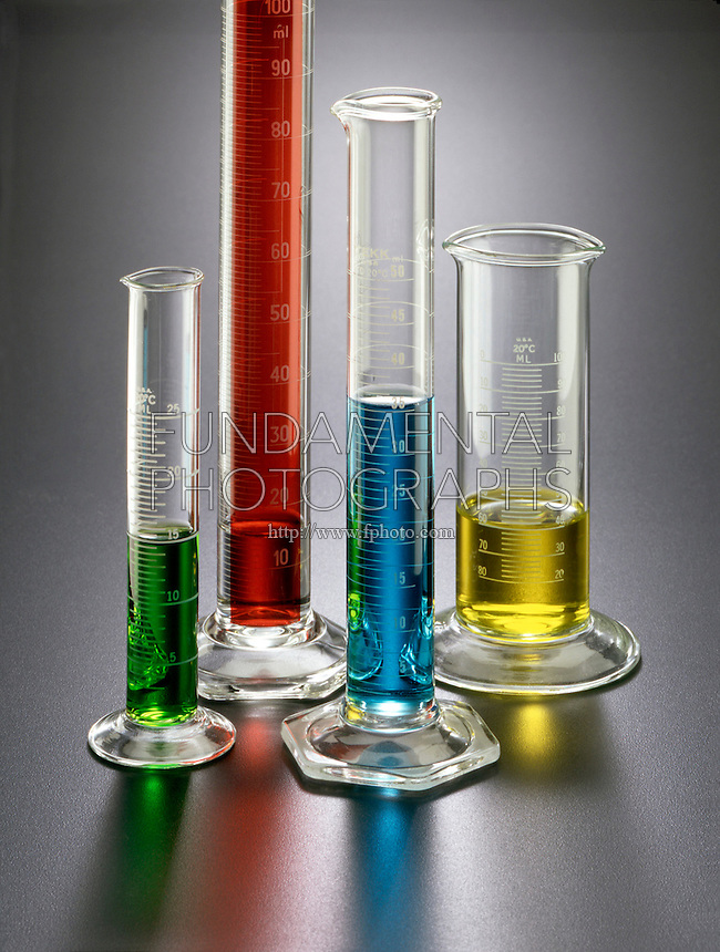LABGLASS: GRADUATES W/ TRANSITION METAL SOLUTIONS<br /> NiCl2, Cu2SO4