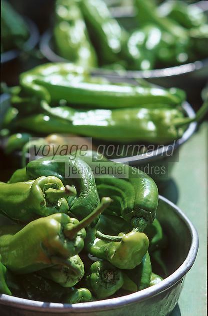 France/06/Alpes Maritimes/Nice: Cours Saleya, poivrons sur le marché