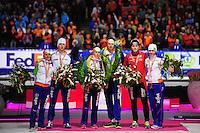 SCHAATSEN: HEERENVEEN: IJsstadion Thialf, 13-01-2013, Seizoen 2012-2013, Essent ISU EK allround, Eindpodium Men, Linda de Vries (NED), Jan Blokhuijsen (NED), Ireen Wüst (NED), Sven Kramer (NED), Håvard Bøkko (NOR), Diane Valkenburg (NED), ©foto Martin de Jong