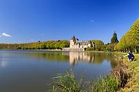 France, Cher (18), Berry, Route Jacques Coeur, La Chapelle-d'Angillon, le château d'Angillon