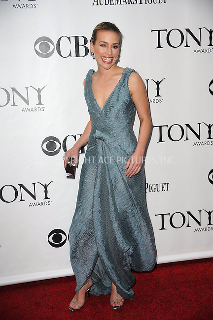 WWW.ACEPIXS.COM . . . . .  ....June 7 2009, New York City....Actress Piper Perabo at the 63rd Annual Tony Awards at Radio City Music Hall on June 7, 2009 in New York City.....Please byline: KRISTIN CALLAHAN -  ACE PICTURES.... *** ***..Ace Pictures, Inc:  ..tel: (212) 243 8787 or (646) 769 0430..e-mail: info@acepixs.com..web: http://www.acepixs.com