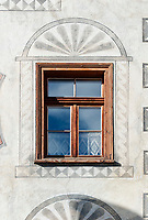 Schweiz, Graubuenden, Muenstertal, Muenster: Fenster | Switzerland, Graubuenden, Muenster Valley, Muestair: window