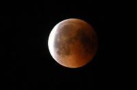 Ein Himmelsereignis wie der Blutmond und dem nahen Mars kommt nur alles 35.000 Jahre vor - Büttelborn 27.07.2018: Mondfinsternis über Büttelborn