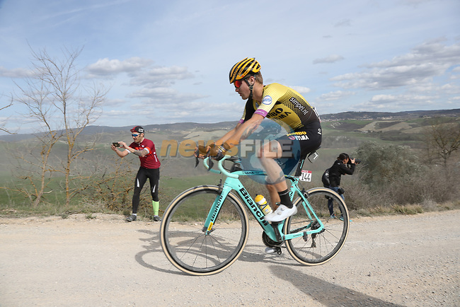 Lennard Hofstede (NED) Team Jumbo-Visma on sector 8 Monte Santa Maria during Strade Bianche 2019 running 184km from Siena to Siena, held over the white gravel roads of Tuscany, Italy. 9th March 2019.<br /> Picture: Eoin Clarke | Cyclefile<br /> <br /> <br /> All photos usage must carry mandatory copyright credit (© Cyclefile | Eoin Clarke)