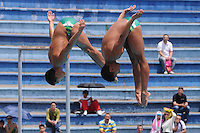 MEDELLÍN -COLOMBIA-15-06-2013. Sebastián Morales y  Sebastián Villa en el salto sincronizado de 3m durante el campeonato Nacional Interligas de Clavados Medellín./ Sebastian Morales y Sebastian Villa in an attempt at 3m sincronized diving during National Interleague Diving Championship in Medellin.  Photo:VizzorImage/Luis Ríos/STR