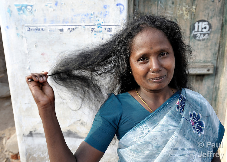 Indian Woman Combs Hair Kairosphotos Images By Paul