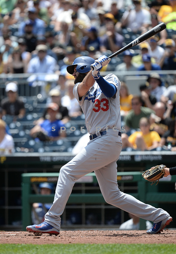 Los Angeles Dodgers Scott Van Slyke (33) during a game against the Pittsburgh Pirates on June 27, 2016 at PNC Park in Pittsburgh, PA. The Dodgers beat the Pirates 4-3.