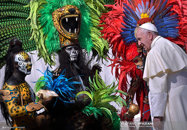 Pope Francis with performers from Mexico  during his weekly general audience on St.Peter's square at the Vatican on August 29, 2018