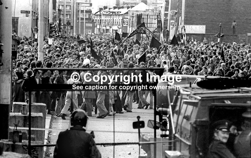 The Silver Jubilee visit of Queen Elizabeth II to N Ireland on 10th &amp; 11th August 1977 sparked serious rioting in Belfast as those opposed to the visit tried to reach the city centre. Soldiers and police hold back protesters.   197708100074n<br />