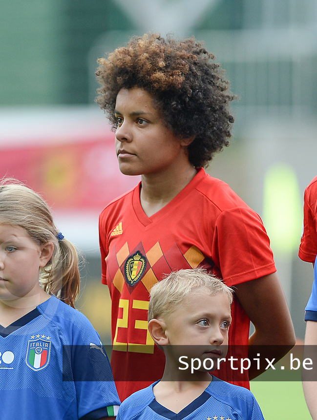 20180904 - LEUVEN , BELGIUM : Belgian Kassandra Missipo  pictured during the female soccer game between the Belgian Red Flames and Italy , the 8th and last game in the qualificaton for the World Championship qualification round in group 6 for France 2019, Tuesday 4 th September 2018 at OHL Stadion Den Dreef in Leuven , Belgium. PHOTO SPORTPIX.BE | DAVID CATRY