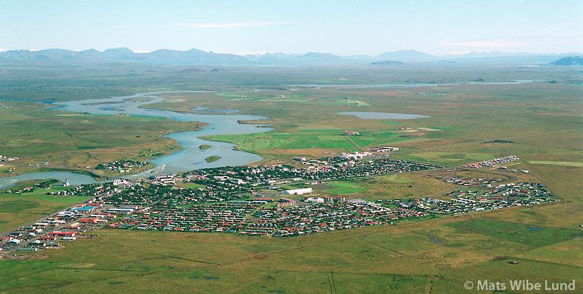 Selfoss, Ölfusá,  loftmynd séð til norðurs. 1996..Selfoss, Olfusa river, aerial viewing north 1996.