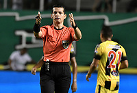 PALMIRA - COLOMBIA, 17-09-2019: Jorge Andres Guzman, arbitro, durante partido entre Deportivo Cali y Alianza Petrolera por la fecha 11 de la Liga Águila II 2019 jugado en el estadio Deportivo Cali de la ciudad de Palmira. / Jorge Andres Guzman, referee, during match between Deportivo Cali and Alianza Petrolera for the date 11 as part Aguila League II 2019 played at Deportivo Cali stadium in Palmira city. Photo: VizzorImage / Gabriel Aponte / Staff