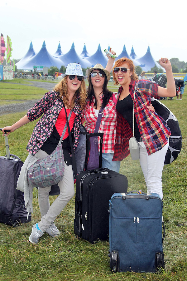 08/07/'10 Laura Breen, Cork and Gillian and Siobhan Cashin from Wexford pictured arriving at Punchestown, Co. Kildare this evening for the start of the Oxegen Festival 2010...Picture Colin Keegan, Collins, Dublin