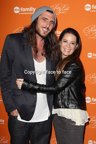 "Holly Marie Combs and Josh Cocktail at the ""Pretty Little Liars"" Halloween episode premiere at Hollywood Forever Cemetary on October 16, 2012 in Hollywood, California. ..Credit: MediaPunch/face to face..- Germany, Austria, Switzerland, Eastern Europe, Australia, UK, USA, Taiwan, Singapore, China, Malaysia and Thailand rights only -"