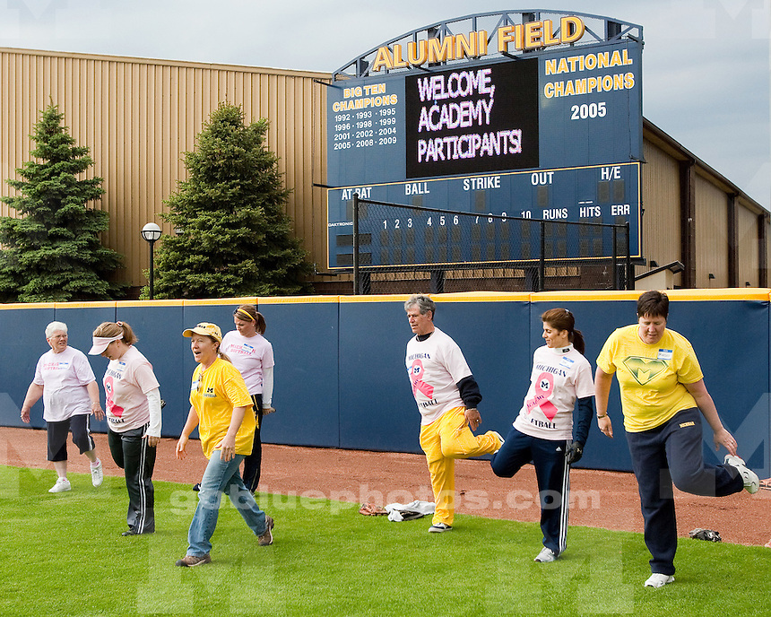 5/7/2010 Inaugural women's softball academy to benefit breast cancer research.