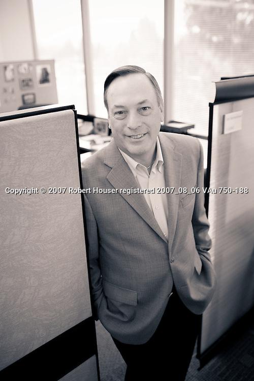Dan Warmenhoven - CEO - NetApp: Executive portrait photographs by San Francisco - corporate and annual report - photographer Robert Houser.