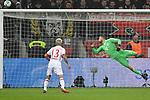 12.01.2018, BayArena, Leverkusen , GER, 1.FBL., Bayer 04 Leverkusen vs. FC Bayern M&uuml;nchen<br /> im Bild / picture shows: <br /> Sven Ulreich Torwart (Bayern Muenchen #26), re <br /> <br /> <br /> Foto &copy; nordphoto / Meuter