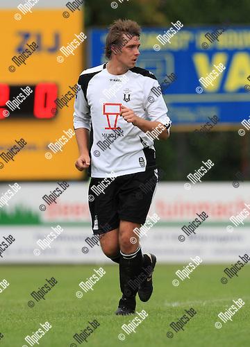 2010-07-25 / Voetbal / seizoen 2010-2011 / Vlimmeren Sport / Kevin Dufraing..Foto: mpics