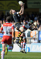 Rugby Aviva Premiership. High Wycombe, England. Joe Launchbury of London Wasps wins a high ball during the Aviva Premiership match between London Wasps and Gloucester Rugby at Adams Park, High Wycombe, England. April 1 2012.