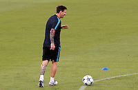 Calcio Champions League - Allenamento del Barcellona alla vigilia del match contro la Roma allo stadio Olimpico di Roma, 15 settembre 2015.<br /> Italy Football Champions League: Barcelona's Lionel Messi attends a training session ahead of the football match against Roma at Rome's Olympic stadium, 15 September 2015.<br /> UPDATE IMAGES PRESS/Riccardo De Luca<br /> <br /> <br /> <br /> *** ITALY AND GERMANY OUT ***