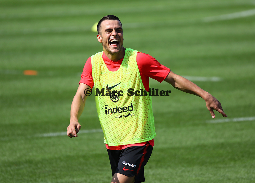 Filip Kostic (Eintracht Frankfurt) hat nach seinem Wechsel aus Hamburg wieder Spaß am Fußball - 21.08.2018: Eintracht Frankfurt Training, Commerzbank Arena, DISCLAIMER: <br /> DFL regulations prohibit any use of photographs as image sequences and/or quasi-video.