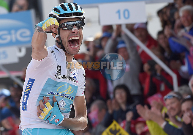 Maglia Bianca wearer Fabio Aru (ITA) Astana takes a solo win at the end of Stage 19 of the 98th Giro d'Italia 2015 running 236km from Gravellona Toce to Cervinia. 29th May 2015. <br /> Photo: ANSA/Claudio Peri/www.newsfile.ie
