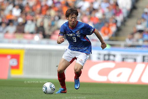 Kazuma Watanabe (Marinos), April 29th, 2011 - Football : 2011 J.LEAGUE Division 1, 8th Sec match between Yokohama Marinos 1-1 Shimizu S-Pulse at Nissan Stadium, Kanagawa, Japan. (Photo by Akihiro Sugimoto/AFLO SPORT) [1080].