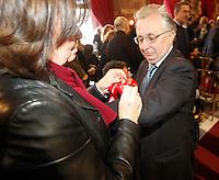 Apertura Anno Giudiziario nel distretto di Napoli nello storico salone dei Busti di Castel Capuano<br /> il fiocco rosso simbolo della protesta del personale amministrativo