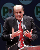 Il segretario del Partito Democratico Pierluigi Bersani chiude la campagna elettorale per le elezioni politiche nazionali e regionali del Lazio, a Roma, 23 febbraio 2013..Italian center-left Democratic Party (PD) leader Pierluigi Bersani attends the electoral campaign closing meeting in Rome, 23 February 2013. Political and local elections are scheduled in Italy for next 24 and 25 February..UPDATE IMAGES PRESS/Riccardo De Luca