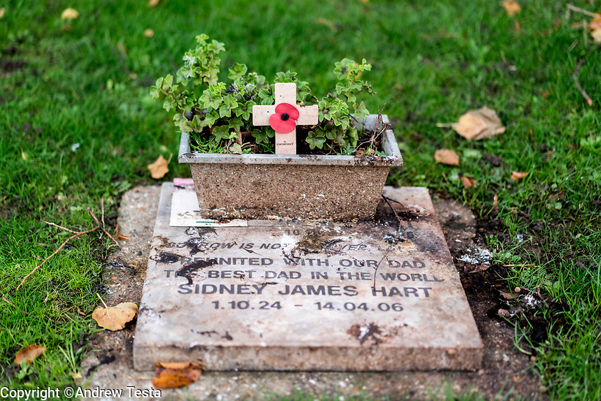 UK. London. 4th December 2015<br /> The grave of Sidney James Hart in Edmonton Cemetery,  some of the stolen goods were buried under this gravestone.<br /> Andrew Testa for the New York Times