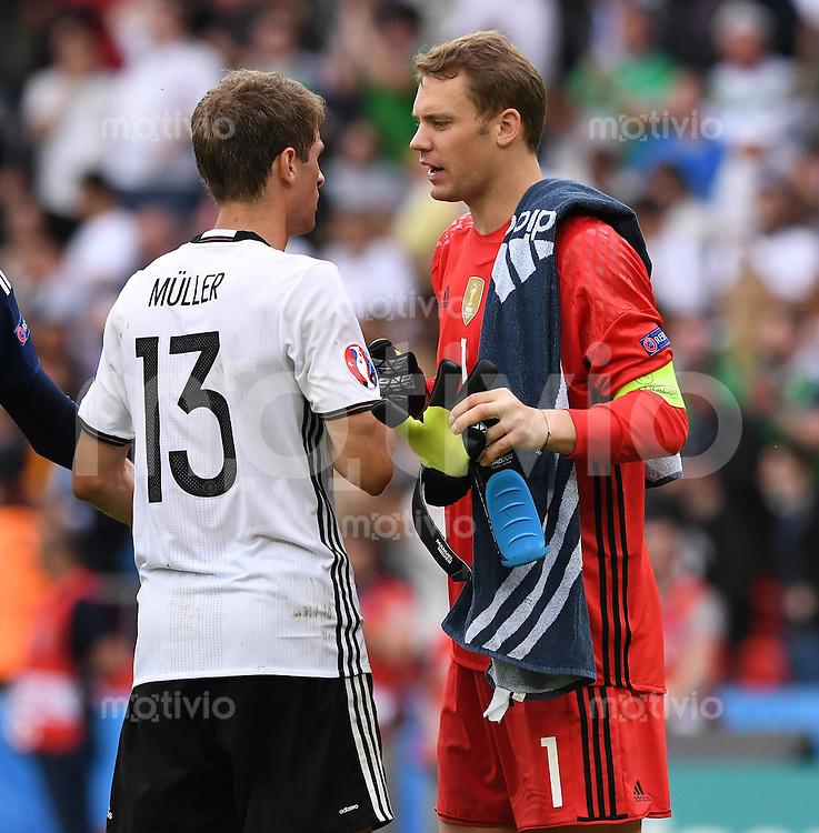 FUSSBALL EURO 2016 GRUPPE C IN PARIS Nordirland - Deutschland     21.06.2016 Thomas Mueller (li) und Torwart Manuel Neuer (re, beide Deutschland)