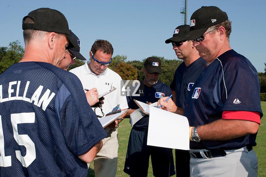 Baseball - MLB Academy - Tirrenia (Italy) - 19/08/2009 - Coaches and scouts, Mike McClellan, Bill Holmberg