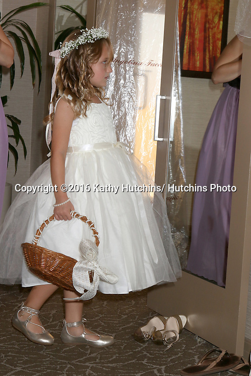 LOS ANGELES - OCT 14:  Wedding party and guests at the Matt & Katrina Weber Wedding at Hotel & Venue on October 14, 2016 in San Diego Area, CA
