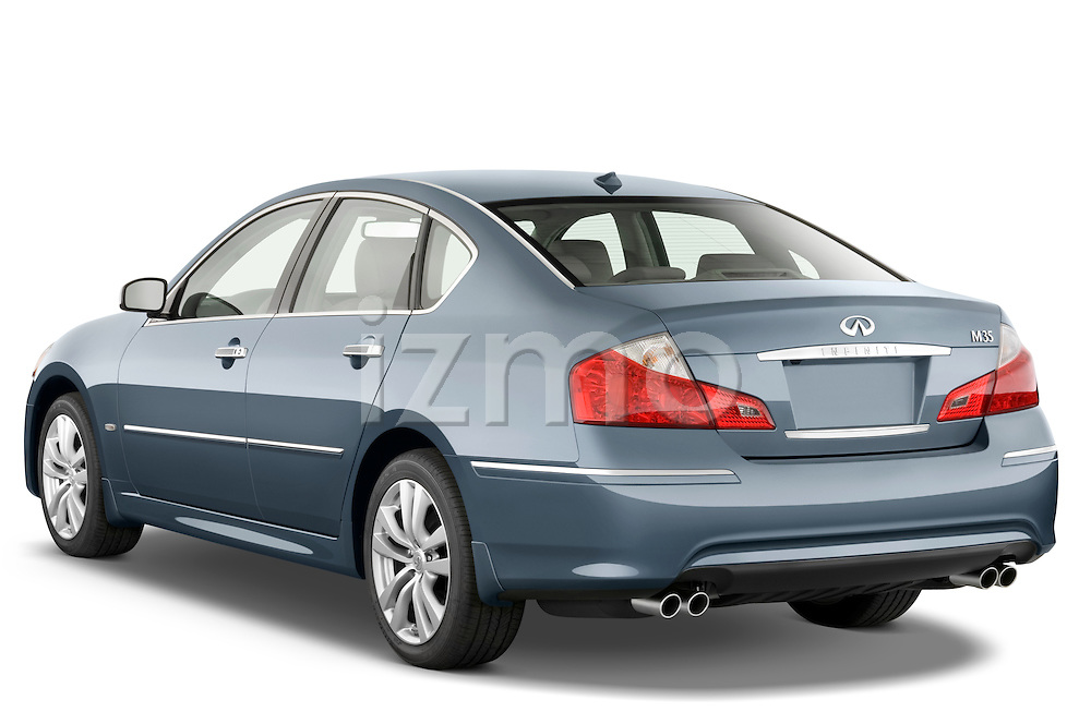 Rear three quarter view of a 2008 Infiniti M35