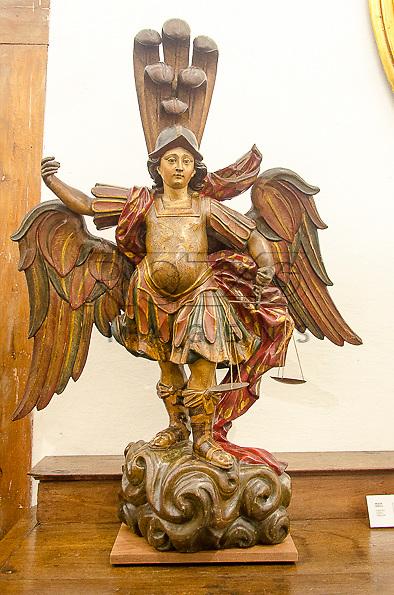 São Miguel, século XVII, madeira policromada. Acervo do Museu de Arte Sacra de São Paulo, São Paulo - SP, 02/2013.