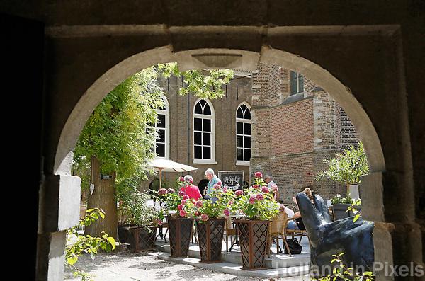 Nederland Gouda  2017.  Het terras van het Museumcafe van Museum Gouda.   Foto Berlinda van Dam / Hollandse Hoogte