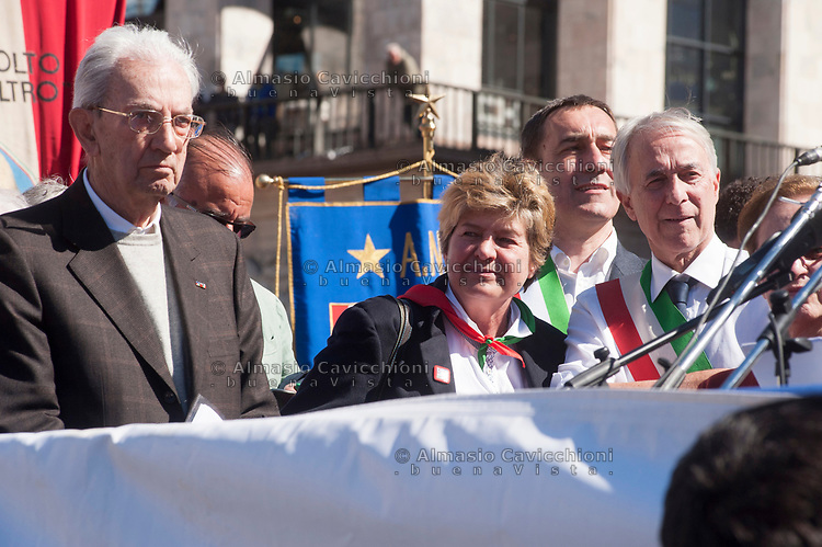 Milano, 25 Aprile 2016, manifestazione per la festa della Liberazione dal nazifascismo. Carlo Smuraglia presidente ANPI, Susanna Camusso, Giuliano Pisapia<br /> Milan, April 25, 2016, demonstration for the Liberation Day.