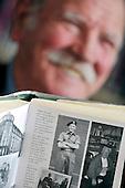 Shettleston Library - Glasgow - local historian Tony Jaconelli - picture by Donald MacLeod -27.02.13 - 07702 319 738 - clanmacleod@btinternet.com - www.donald-macleod.com