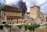 castle, France, Burgundy, Saone-et-Loire, Bourgogne, Europe, wine region, Chateau Couches in the wine region of Burgundy.