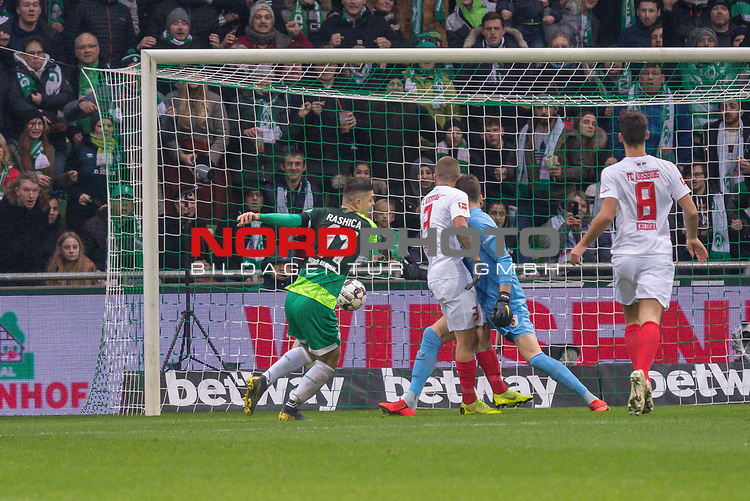 10.02.2019, Weser Stadion, Bremen, GER, 1.FBL, Werder Bremen vs FC Augsburg, <br /> <br /> DFL REGULATIONS PROHIBIT ANY USE OF PHOTOGRAPHS AS IMAGE SEQUENCES AND/OR QUASI-VIDEO.<br /> <br />  im Bild<br /> <br /> 1:0 Milot Rashica (Werder Bremen #11) gegen Gregor Kobel (FC Augsburg #40)<br /> Konstantinos Stafylidis (FC Augsburg #03)<br /> Rani Khedira (FC Augsburg #08)<br /> Foto &copy; nordphoto / Kokenge