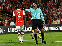 BOGOTA - COLOMBIA – 23 – 05 - 2017: Enrique Caceres, arbitro de Paraguay, durante partido entre Independiente Santa Fe de Colombia y The Strongest de Bolivia, de la fase de grupos, grupo 2, fecha 6 por la Copa Conmebol Libertadores Bridgestone 2017, en el estadio Nemesio Camacho El Campin, de la ciudad de Bogota. / Enrique Caceres, referee of Paraguay, during a match between Independiente Santa Fe of Colombia and The Strongest of Bolivia, of the group stage, group 2 of the date 6th, for the Conmebol Copa Libertadores Bridgestone 2017 at the Nemesio Camacho El Campin in Bogota city. VizzorImage / Luis Ramirez / Staff.