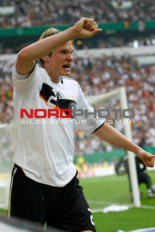 EM 2008 Testspiel Deutschland gegen Serbien am 31.05.2008 in Gelsenkirchen<br /> <br /> Kann es kaum fassen. Der Ausgleich und Marcell Jansen (#2 Bayern M&uuml;nchen Deutsche Nationalmannschaft) freut sich.<br /> <br /> Foto &copy; nph (  nordphoto  ) *** Local Caption ***