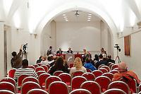 La sala semivuota durante la presentazione del libro di Emilio Fede <br /> Roma 23-09-2015 Capranichetta. Presentazione del libro 'Se tornassi ad Arcore'.<br /> Photo Samantha Zucchi Insidefoto
