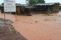BURKINA FASO, Bobo Dioulasso, raining season, flooded village / Regenzeit, Ueberschwemmung in einem Dorf