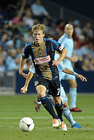 Union midfielder Brian Carroll (7) in action..Sporting Kansas City defeated Philadelphia Union 2-1 at LIVESTRONG Sporting Park, Kansas City, KS.