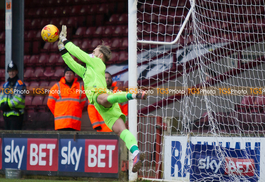 fabulous save by Jak Alnwick of Port Vale during Scunthorpe United vs Port Vale, Sky Bet EFL League 1 Football at Glanford Park on 28th January 2017