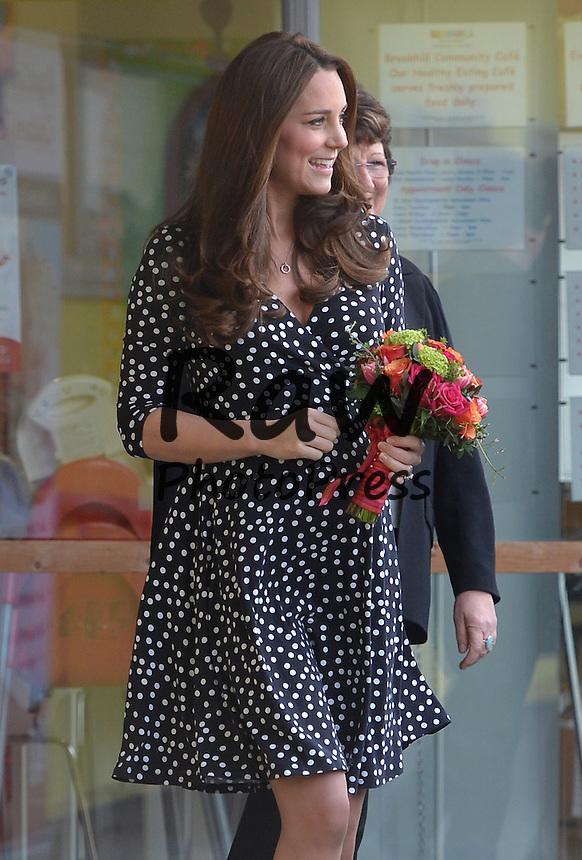 Kate Middleton ha visitado el Brookhill Children's Centre de Woolwich.<br /> <br /> Image &copy;Licensed to i-Images Picture Agency. 18/03/2015. London, United Kingdom. <br /> <br /> The Duchess of Cambridge visits Brookhill Children's Centre In Woolwich, London, UK.<br /> <br /> Picture by Ben Stevens / i-Images